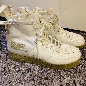 Rare Nike SF Air Force Mid shoe Ivory/Ivory
